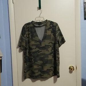 Papaya L Camo Short Sleeve V-Neck/Chocker Shirt